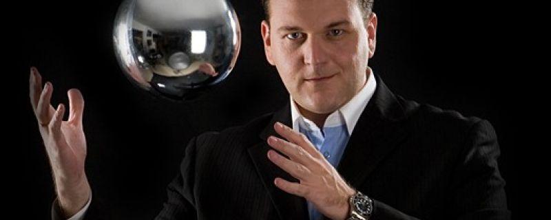 Μίλα μου για σένα… με τον illusionist OSCAR